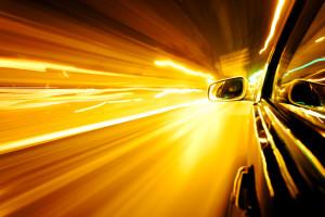 Besonders wichtig ist es, das Abblendlicht im Tunnel einzuschalten.