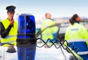 Bei einem Auffahrunfall mit Personenschaden muss die Polizei verständigt werden.