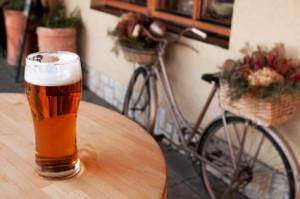 Vor dem Autofahren sollte kein Alkohol getrunken werden