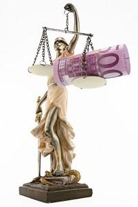 Bußgeld: Die Höhe ergibt sich aus dem Bußgeldkatalog. Zusätzlich kommen Gebühren hinzu.