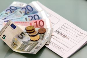 Bußgeldbescheid: Beim erfolgreichen Einspruch trägt die Kosten des Verfahrens die Staatskasse.