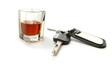 Drogen und Alkohol am Steuer sind tabu! - Also Drogentest kaufen!