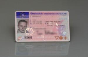 Bei einem Fahrverbot muss der Führerschein ein bis drei Monate abgegeben werden