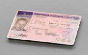 Der Führerschein ist das Dokument, das anzeigt, für welche Klassen der Inhaber eine Fahrerlaubnis besitzt.