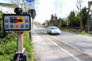 Einige Geräte zur Geschwindigkeitsmessung funktionieren auch ohne Blitz.