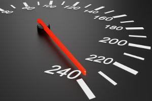 Eine Geschwindigkeitsüberschreitung kann teuer werden.