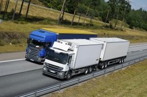 Die Lkw-Maut in Deutschland gibt es seit 2005. Die Gebühren sind von allen Fahrzeugen über 7,5t Gesamtgewicht zu entrichten.