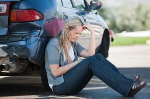 Eine posttraumatische Belastungsstörung kann nach einem Verkehrsunfall auftreten.