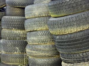 Reifen unterscheiden sich in ihrem Aufbau und in der Reifenart.