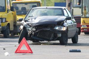 Den Restwert eines Unfallwagens kann ein Kfz-Gutachter bestimmen.