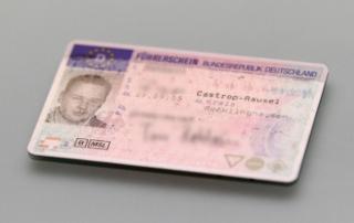 Normalerweise erhalten Sie erst nach Ablauf der Sperrfrist Ihren Führerschein zurück.