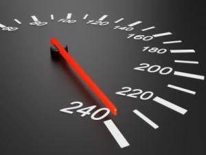 Es existiert kein generelles Tempolimit auf der Autobahn in Deutschland. Allerdings kann die Geschwindigkeit durch entsprechende Verkehrsschilder begrenzt werden.