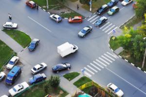 Beachten Sie die Vorfahrtsregeln, um die Verkehrssicherheit nicht zu gefährden.